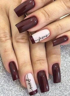 30 Most Popular Nail Art Design 2019 Nail art design is a critical portion of a manicure regimen. You don't have to sulk if you've got short nails ladies! Water marbling nails art ideas isn't a struggle, although it can be a bit messy. Classy Nails, Stylish Nails, Simple Nails, Trendy Nails, French Manicure Nails, Manicure And Pedicure, Diy Nails, Cute Nails, Manicure Ideas