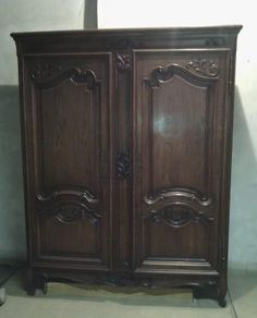 An armoire that I bought at the Emmaüs charity shop in Brive