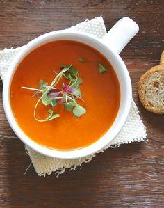 Você não vai ter a icônica lata do Andy Warhol, mas esta sopa feita em casa é ainda mais saborosa do que a industrializada pop, mundialmente famosa. Além disso,é incrivelmente fácil e rápida de fa…