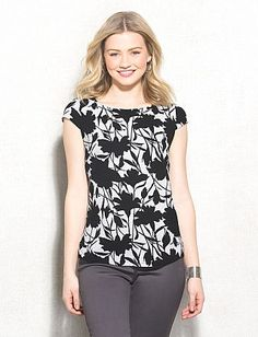 roz & ALI™ Textured Floral Tee