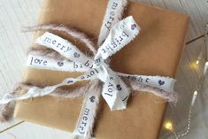 #DIY #Geschenkband #Stempel #stamp #ribbon #giftwrapping #christmas #waseigenes #gift #wrap