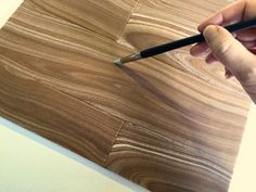 Tutorial for making realistic woodgrain with fondant or sugar paste.