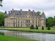 Château d'Esclimont. Saint-Symphorien-le-Château 28700. Orléanais.