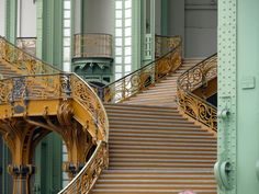 Discover the architectural highlights in this diverse Paris neighborhood. The walk begins at your hotel which then heads over to a district where the buildings are diverse and distinctly unique …