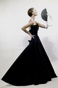 Dior. Erwin Blumenfeld for Vogue USA, 1949.