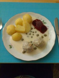 Meine Königsberger Klopse, ein raffiniertes Rezept aus der Kategorie Kochen. Bewertungen: 438. Durchschnitt: Ø 4,6.
