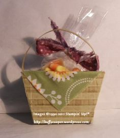 Fun treat basket using the #Petite Purse die from #Sizzix for #Stampin' Up!