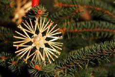 Weihnachtlicher Strohstern