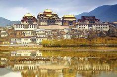 Tibetan monastery, Gyantse.