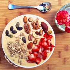Banana mango coconut water protein smoothie bowl Smoothie Bowl, Smoothie Recipes, Coconut Water, Bowls, Oatmeal, Protein, Mango, Banana, Vegan