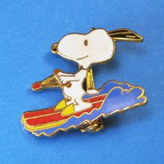 Summer Fun! Show your love on any outfit with a Snoopy pin! Find them in our shop at CollectPeanuts.com.