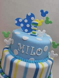 Torta Mickey Baby by Violeta Glace! Pastel Mickey, Mickey And Minnie Cake, Baby Mickey Mouse, Mickey Cakes, Minnie Mouse Party, Mouse Parties, Boys 1st Birthday Cake, 1st Birthday Party Themes, Mickey Birthday