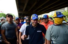 Capriles resultó afectado nuevamente por las bombas lacrimógenas | Sumarium