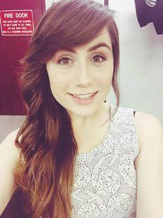 (Fc:Doddleoddle aka Dodie Clark) Hi! I'm Dodie! I love to sing and I'm very caring. I love friends and just people and general. Into?