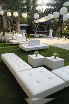White Party Decorations, Country Wedding Decorations, Outdoor Lounge, Lounge Furniture, Outdoor Furniture Sets, Modern Furniture, Furniture Design, White Lounge, Lounge Party