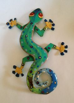 Painted metal gecko for my garden wall