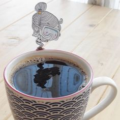 Surviving monday #snorkeling #coffeebreak #inktober #drawing #doodle #illustration #commeunlundi #coffee #ink #papercraft #papierdécoupé #plongée #pausecafé #fuckingmonday #coffeeporn #plouf
