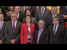 Audiencia de S.M. la Reina al Patronato y el Comité Cíentífico de la Fundación Española de Nutrición - YouTube - 26.01.2016
