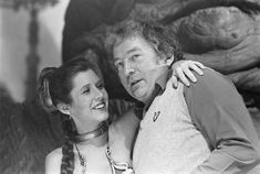 A gallery of Star Wars: Episode VI - Return of the Jedi publicity stills and other photos. Featuring Carrie Fisher, Mark Hamill, Harrison Ford, Anthony Daniels and others. Indiana Jones Films, Film Man, Leia Star Wars, War Film, Star Wars Pictures, Carrie Fisher, Frances Fisher, Eddie Fisher, The Phantom Menace