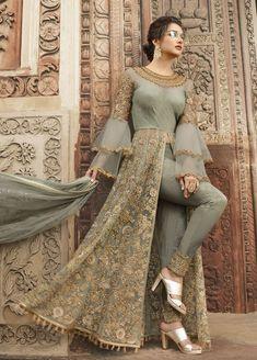 Looking to buy Anarkali online? ✓ Buy the latest designer Anarkali suits at Lashkaraa, with a variety of long Anarkali suits, party wear & Anarkali dresses! Bridal Anarkali Suits, Pakistani Dresses, Indian Dresses, Indian Outfits, Indian Style Clothes, Pakistani Party Wear, Party Wear Lehenga, Long Choli Lehenga, Lehenga Suit