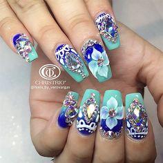 Summer Nails by Veronica_Vargas from Nail Art Gallery Nail Art Rhinestones, Rhinestone Nails, Bling Nails, Diy Nails, Nails Yellow, Nagel Bling, Blue Nail Designs, Blue Design, Super Nails