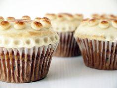Simnel Cake cupcakes Simnel Cake Easter, Easter Cake, Cake Recipes, Snack Recipes, Sweet Recipes, Cocoa Cake, Bean Cakes, Nutella Cake, British Baking