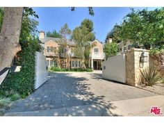 Hello From The Outside - Adele's New Los Angeles Home Is Seriously Impressive  - Photos