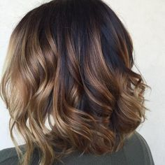 50 Gorgeous Wavy Bob Hairstyles with an Extra Touch of Femininity - Cabello Rubio Brown Balayage Bob, Balayage Hair, Caramel Balayage, Caramel Highlights, Balayage Highlights, Blond Pastel, Californian Hair, Wavy Bob Long, Short Hairstyles