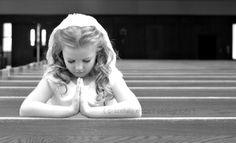 first communion, gracefully elegant photography , rosary, prayer