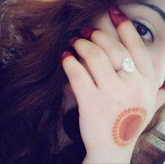 Cute Dps for Girls Mehndi Designs For Beginners, Simple Mehndi Designs, Mehandi Designs, Cute Girl Poses, Girl Photo Poses, Girl Photos, Stylish Girls Photos, Stylish Girl Pic, Beautiful Girl Photo