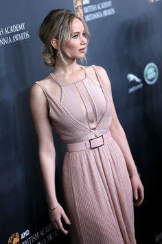 Jennifer Lawrence veste Elie Saab!!!!!!!!!! - Fashionismo