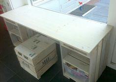bureau Pallets, Wood, Table, Furniture, Home Decor, Desk, Decoration Home, Woodwind Instrument, Room Decor