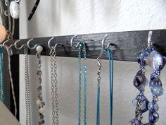 Purple Home, Arrow Necklace, Diy, Jewelry, Blog, Old Apartments, Bedroom, Glass House, Bathroom Interior