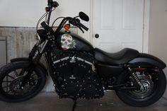 My Baby.  Harley Iron 883 custom paint HS customs Com Mini-Ape. Fica mais alto, mas ainda não sei...