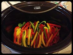 The Fake Housewife of Kansas City: Oh So Simple Crock-pot Fajitas