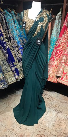 My choice sari Saree Jacket Designs, Silk Saree Blouse Designs, Bridal Blouse Designs, Fancy Sarees Party Wear, Saree Designs Party Wear, Saree Gown, Organza Saree, Saree Wearing, Sari Design