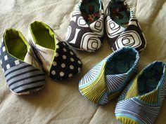 Kimono booties... made these this weekend. Super easy (& a free pattern).<--- So says the last pinner!!... ~ CHECK OUT TUT & PATTERN~