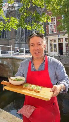 Vandaag lawt il tartufo Delft zien hoe je een verrukkelijke pesto kan maken. #iltartufodelft #pestomaken