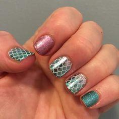 """#Jamberrynails  #Jamberry #nailwraps #nails #MermaidTalesJN #PixieJN #JadedJN  #mixnmatch  #mixedmani  #nailpolish  #nomorepolish  #nails #Buy3get1free…"""