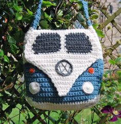 Make yourself a Campervan shoulder bag with our easy to follow crochet pattern