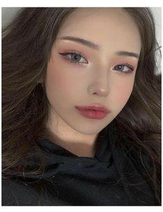 Uzzlang Makeup, Cute Makeup, Girls Makeup, Beauty Makeup, Makeup Looks, Korean Makeup Look, Asian Eye Makeup, Asian Makeup Natural, Aesthetic Makeup