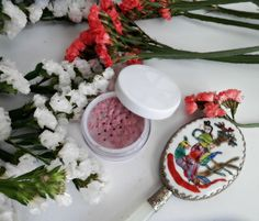 Colorete natural para primavera Sin parabenos, sin químicos o ingredientes sintéticos. ¡Ponte guapa naturalmente!