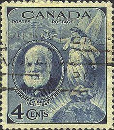 1947 Alexander Graham Bell 4 ¢ deep blue emitido para conmemorar el 100 aniversario de su nacimiento. Uno de solamente dos sellos canadienses publicados ese año.