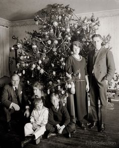 "Vintage Holiday: ""Dickey Christmas tree, The family of Washington lawyer Raymond Dickey, who has a decade's worth of Christmas portraits in the archives of the National Photo Collection"