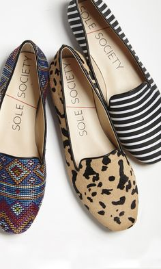 Slip-on printed flats in the beloved classic smoking slipper shape. An easy, everyday option.