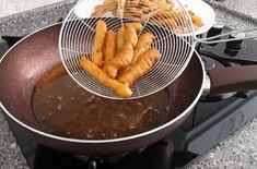 Çıtır Kahvaltılık Tarifine Bayılacaksınız Grill Pan, Pretzel Bites, Chocolate Fondue, Cake Recipes, Grilling, Food And Drink, Bread, Kitchen, Desserts