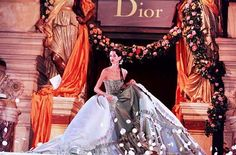 Runway Flashback! Dior 1998 Spring/Summer Haute Couture Photo 59