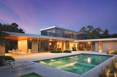 This looks like Richard Neutra's Kaufman House in Palm Springs. Very nice.
