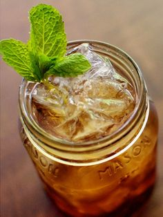 Nothing Says Summer Like A Cool Glass Of Iced tea Served In A Mason Jar! :)