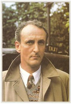 Hugh Fraser - Captain Hastings
